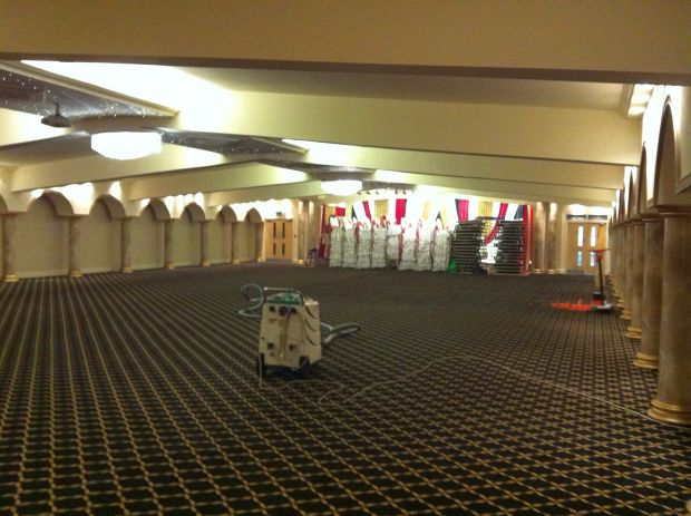 Commercial carpet cleaning - 400 sq.mtr. banqueting hall, carpet cleaned over night and ready for business next day